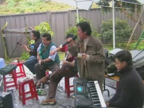 Vong Co Song Que - Cay Nha La Vuon