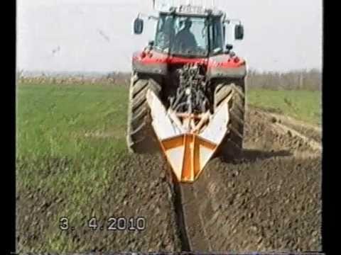 Árokásó gépek - 2010. 10. 27. - Ádám és Társa Kft. videója
