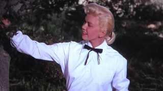"Video Doris Day sings ""Secret Love"" from ""Calamity Jane"" (1953) MP3, 3GP, MP4, WEBM, AVI, FLV April 2019"