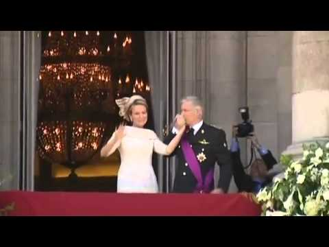New Belgian king and queen greet crowds from royal balcony   Video County