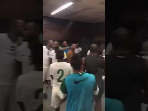 فيديو لفرحة لاعبي المنتخب السعودي في غرفة الملابس بعد الفوز على الإمارات