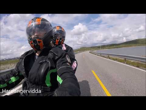 Gjennom bakkar og berg på Harley'n. En kjørevideo.