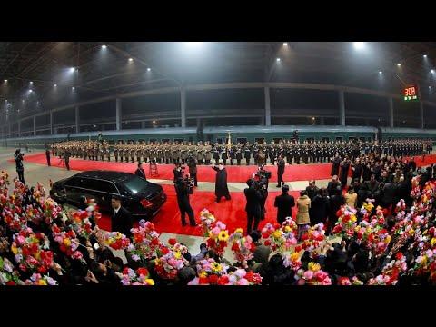 Nordkorea: Kim kehrt mit dem Zug vom Gipfel in Hanoi  ...