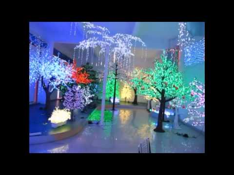 Emporosa led palm tree and cherry tree show