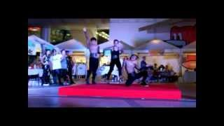 Street Fashion Dance By DanceAholic Studio In Bangkok Street Of Art 2013
