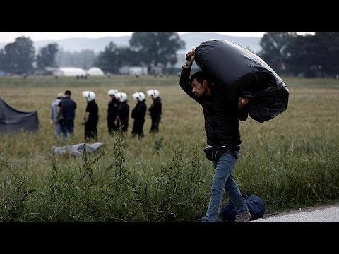 Ειδομένη: Σε εξέλιξη η μεταφορά των προσφύγων – Μπουλντόζες απομακρύνουν τις σκηνές
