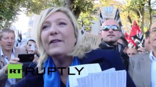 Soissons France  city photos : France: Anti-Le Pen protest greets Front National leader in Soissons