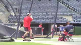 Watch Washington Nationals manager Matt Williams give his outfielders some fielding practice and showing off his sweet swing. Subscribe for daily sports vide...