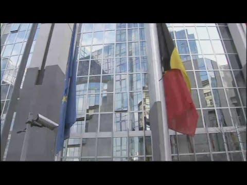 Μεσίστιες οι σημαίες στην Ε.Ε
