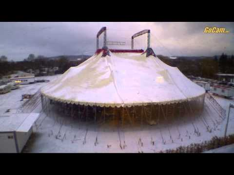 Video Zeltaufbau Zirkus BARUM - Weihnachtsspektakel 2012 download in MP3, 3GP, MP4, WEBM, AVI, FLV January 2017