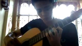 Cowok main gitar... Keren !!!