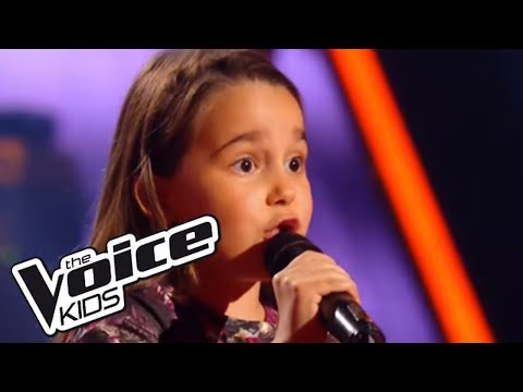 The Voice Kids 2016 | Manuela - Andalouse (Kendji Girac) | Blind Audition