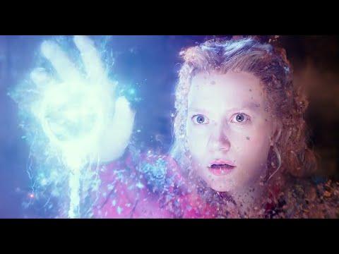 Alice Through the Looking Glass (2016) Run Alice Run