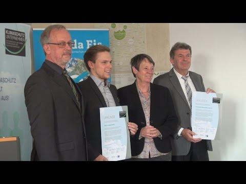 Urkundenverleihung an Klimaschutz-Unternehmen durch Bundesministerin