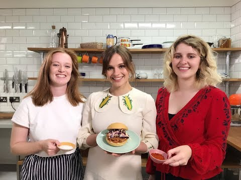 Gabrielle Aplin - #FoodWithFriends - Vegan Jackfruit Roll & slaw with Hannah Grace & Orla Gartland