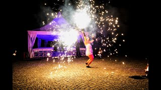 Feuershow THE ROARING TWENTIES auf dem Hohen Darsberg mit Sabrina Wolfram