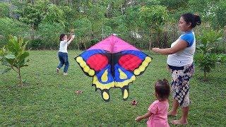 Seru Bermain Layang Layang Bareng Keluarga -  Kids Playing Rainbow Butterfly kite