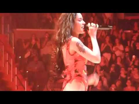 Video Halsey - Bad at Love - Capital One Arena, Washington DC download in MP3, 3GP, MP4, WEBM, AVI, FLV January 2017