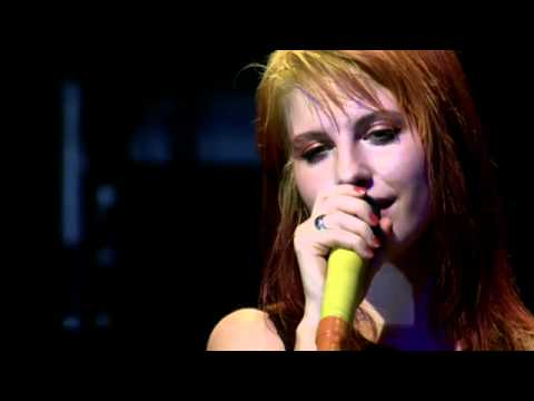 Paramore - In The Mourning/Landslide (Fueled By Ramen 15th Anniversary Concert Live)