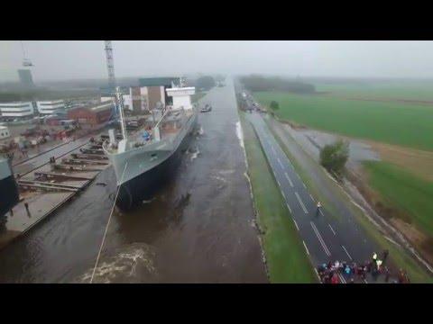 從來沒看過一艘新的大船是如何下水,直到看了這個讓人超紓壓的儀式片段…