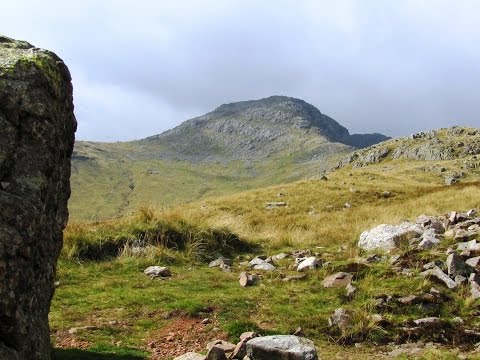 Great Langdale   Bow Fell from Dungeon Ghyll round | cumbria  Walks