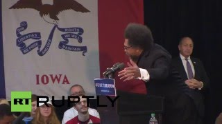 Manchester (IA) United States  city photos gallery : USA: Cornel West slams Hillary Clinton at Sanders rally ahead of Iowa caucuses