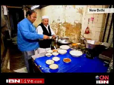 xgotfiveonitx - PART 4 OF 5: CNN-IBN's resident foodie Bikramjit Ray goes restaurant hunting. @ Old Delhi's Famed