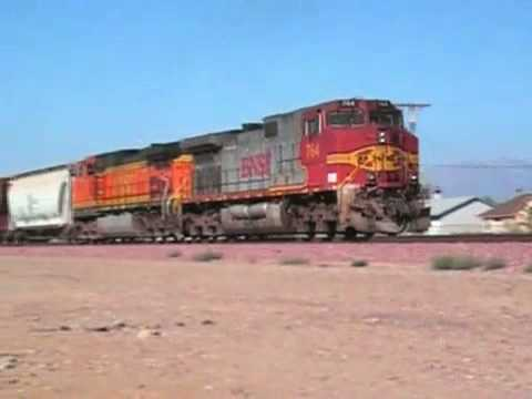 IRFCA - American Goods Trains Hauled By 5 To 10 Diesel Engines