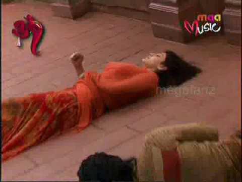 Kajal Agarwal And Ram Charan Accident In The Set Of Magadheera Movie