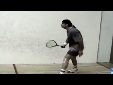 شاهد- أحمد برادة يلعب إسكواش مع عمرو دياب