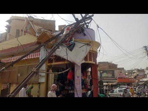 العرب اليوم - شاهد: عواصف رملية
