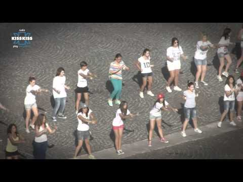 Radio Kiss Kiss organizza il più grande flash mob per i One Direction