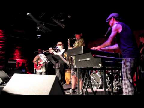 "The Earful ""Hand Clappin"" at Long Beach Funk Fest '13"
