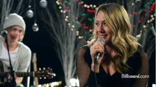 Colbie Caillat videoklipp Christmas In The Sand (Studio Session) (Live)