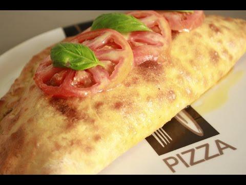 Pizza Calzone de Pepperoni y Mozzarella de Búfala