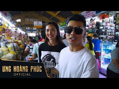 Vợ chồng Ưng Hoàng Phúc cùng Dương Ngọc Thái, Phạm Quỳnh Anh đi chợ Tết và cúng lễ - Thời lượng: 5 phút, 28 giây.