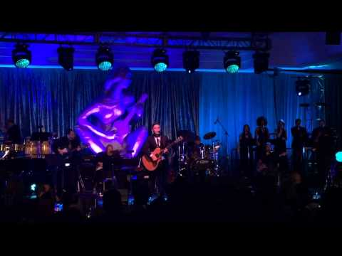Alejandro Sanz -  Camino de Rosas (En Directo) (Latin Songwriters Hall Of Fame)