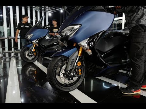 Launching Yamaha T-MAX DX