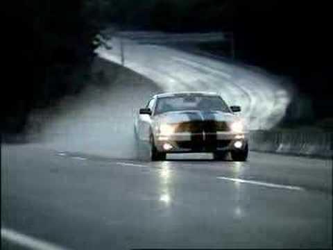 Ford Shelby GT 500: 'Germany' - In diesem Werbespot importiert ein Amerikaner den neuen Ford Shelby GT nach Deutschland, woraufhin ihm die Frage gestellt wird ob er kein...
