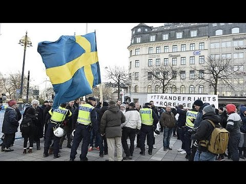 Σουηδία: Διαδηλώσεις κατά και υπέρ των προσφύγων
