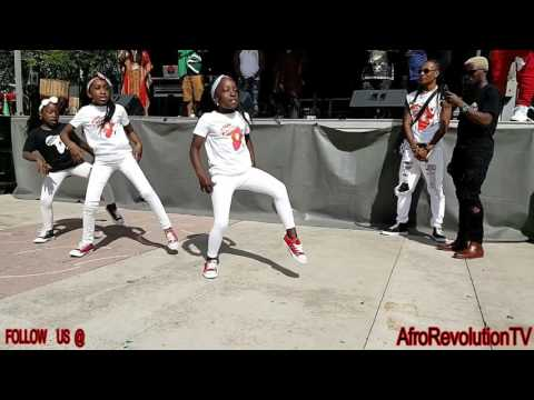 WOW!!  I can't believe these lil LIBERIAN girls can DANCE  like this. Afro Fest CANADA