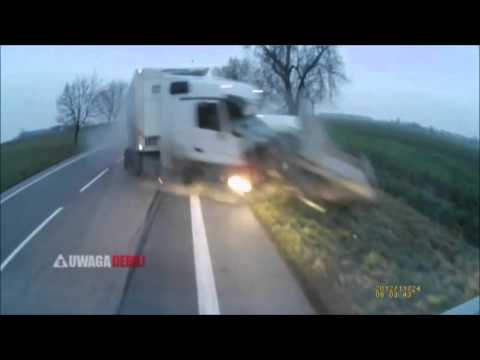 Krok od śmierci czyli wybuch opony w ciężarówce jadącej naprzeciwko