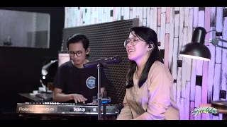 Video Hati Yang Luka - Betharia Sonatha (Live Cover by Bryce Adam) MP3, 3GP, MP4, WEBM, AVI, FLV Juli 2019