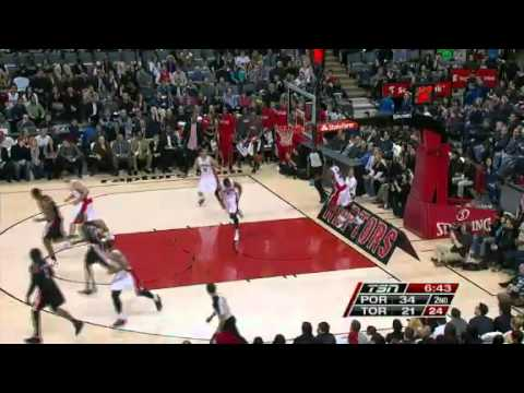 Jamal Crawford Dunks on Raptors