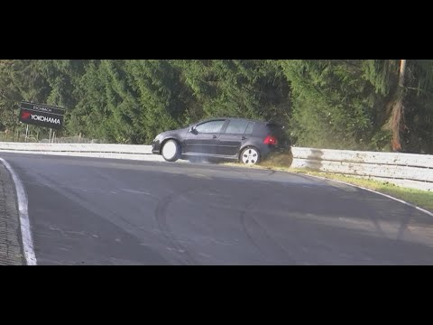 crash accident - Nurburg 2014 VW Golf Crash Little Hit Lucky Guy ;) Drift with FWD.