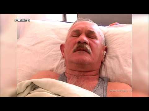 Рівнянину невідомі проламали череп, тепер чоловік у лікарні [ВІДЕО]