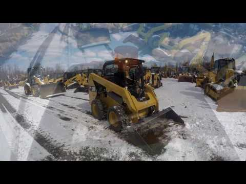 CATERPILLAR PALE COMPATTE SKID STEER 236D equipment video feCoypA26qE