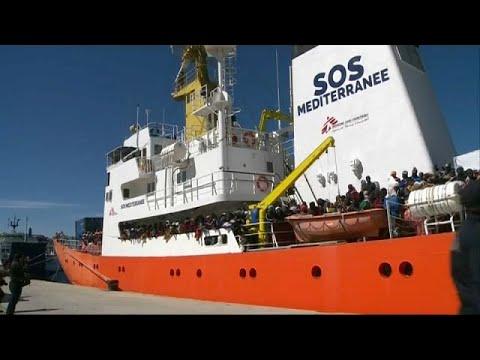 Italien droht Rettungsbooten mit Hafensperre