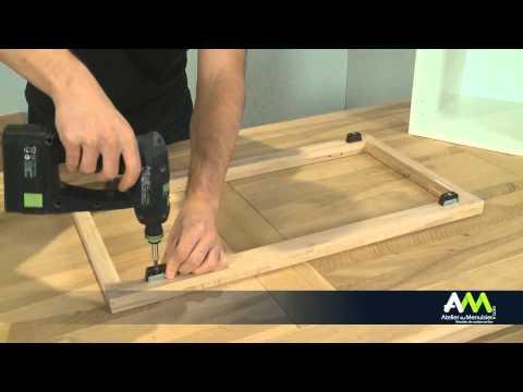 Monter une façade de cuisine sur un meuble à cadre