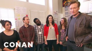 Video Conan Hangs Out With His Interns MP3, 3GP, MP4, WEBM, AVI, FLV Oktober 2018